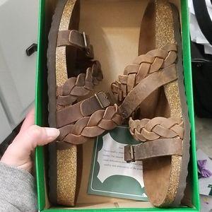 NWT white mountain sandals
